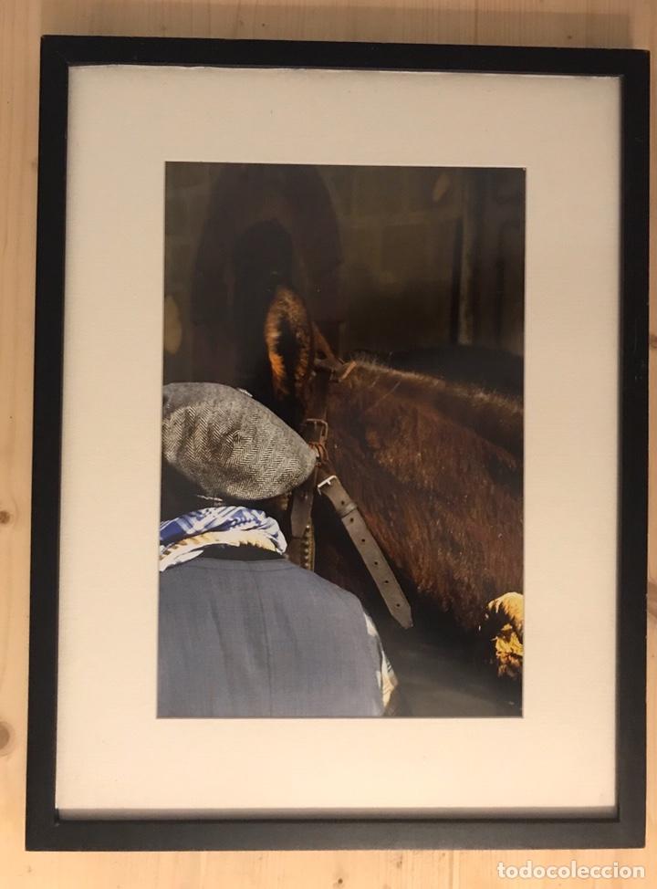 FOTOGRAFÍA DE AUTOR DE UN ANTIGUO PORTEADOR O TRAGINER FIESTA DE BALSARENY (BARCELONA) ENMARCADA (Fotografía - Artística)