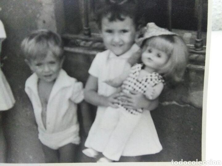 Fotografía antigua: Fotografia antigua juguetes .Preciosa y interesante fotografia ,niños con juguetes muñecas antiguas - Foto 4 - 205171333