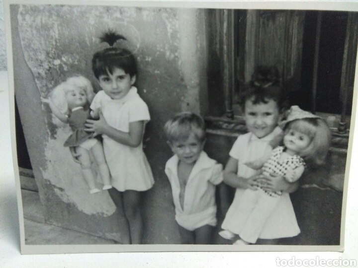Fotografía antigua: Fotografia antigua juguetes .Preciosa y interesante fotografia ,niños con juguetes muñecas antiguas - Foto 6 - 205171333