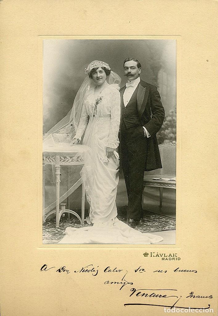 FOTO DE ENLACE MATRIMONIAL DE PAREJA DE LA ALTA BURGUESÍA DE MADRID. AÑO 1913 (Fotografía - Artística)