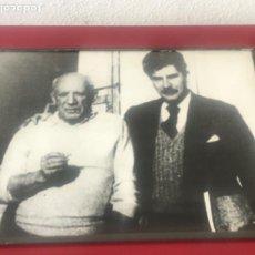 Fotografía antigua: FOTOGRAFÍA ENMARCADA DE PABLO PICASSO Y CUIXART 1950'S.. Lote 208448067
