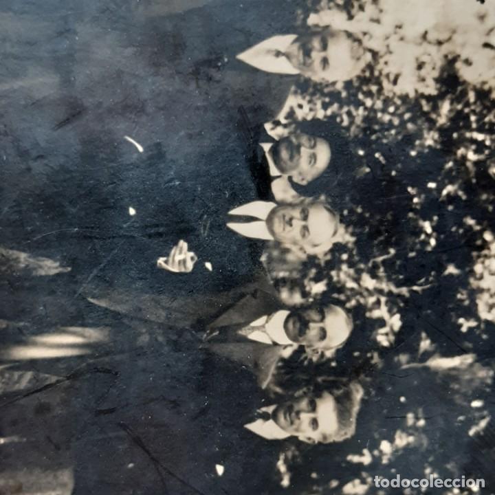 Fotografía antigua: ANTIGUA FOTOGRAFÍA GRUPO DE HOMBRES CON 2 MUJERES. AÑOS 20? 30? FRANCIA? - Foto 4 - 210587161