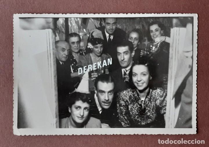 Fotografía antigua: LOTE 2 ANTIGUAS FOTOGRAFÍAS FIESTA FIN DE AÑO. 1948. FOTO VÁZQUEZ MOLERO. MADRID. AÑOS 40. - Foto 4 - 210590578