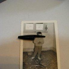 Fotografía antigua: ANTIGUA FOTO FOTOGRAFIA NIÑOS GRUPO DE NIÑOS JUGANDO TREN (20 -7 ). Lote 210621955