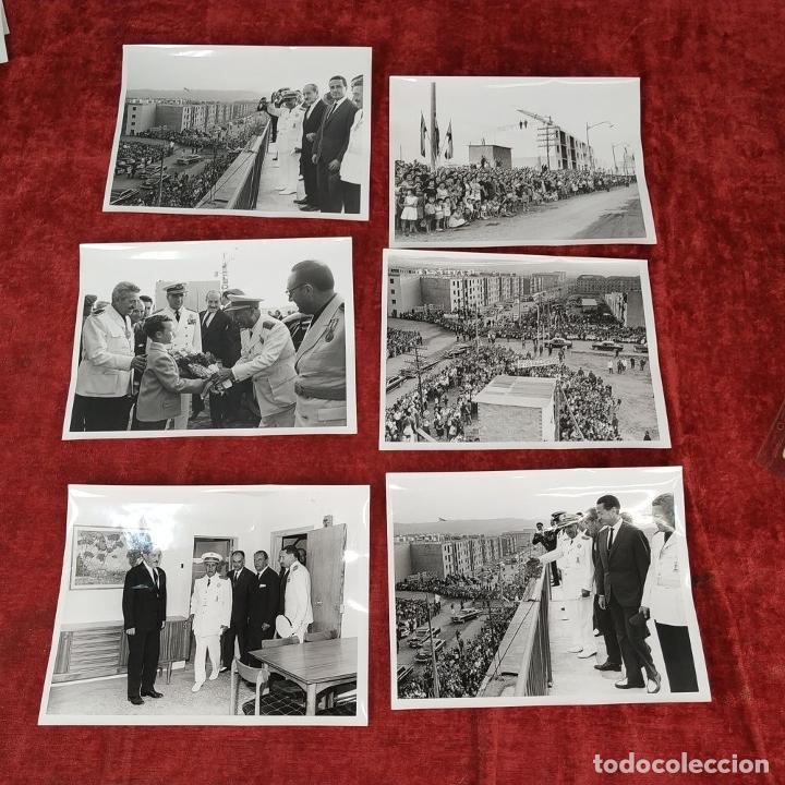 Fotografía antigua: 18 FOTOGRAFÍAS DE FRANCO VISITANDO VIVIENDAS. FOTÓGRAFO CARLOS PEREZ DE ROZAS. ESPAÑA. CIRCA 1950 - Foto 4 - 212340041