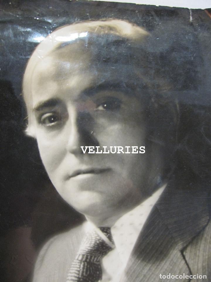 Fotografía antigua: FOTOGRAFIA DEL ARTISTA JAUME MERCADÉ .1936. FOTO DE JOSÉ COMPTE ARGIMON, 30 X 22 CM - Foto 2 - 215134360