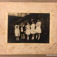 Fotografía antigua: HERMANOS. ANTIGUA FOTOGRAFÍA RETRATO DE 1916. FOTO: CLAUDIO ARTECHE.. Lote 217249285
