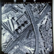 Fotografía antigua: ANTIGUA FOTOGRAFIA AÉREA DE MADRID EJERCITO DEL AIRE - 1997 - M-30, MENDEZ ALVARO, PUENTE DE VALLECA. Lote 217569167