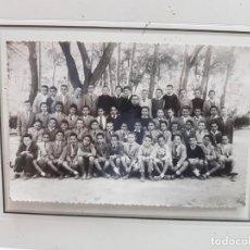 Fotografía antigua: ANTIGUA FOTOGRAFIA ESCOLAR COLEGIO ESCUELAS PIAS ALBACETE. Lote 217674420