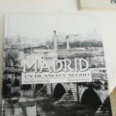 Fotografía antigua: MADRID EN BLANCO Y NEGRO FOTOGRAFÍAS DESDE 1900 ED.ESPASA. Lote 218637262