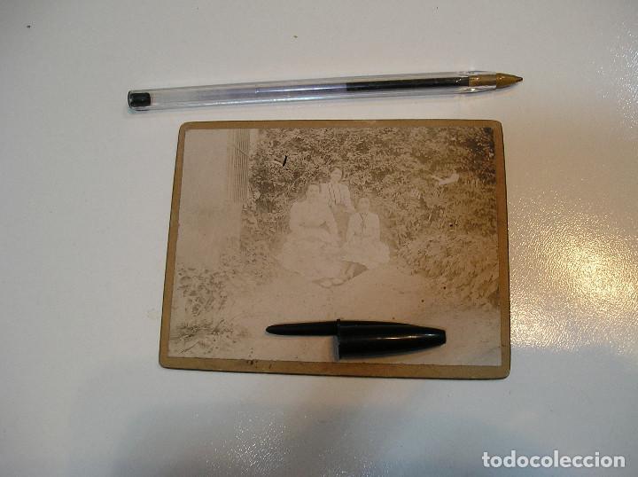 Fotografía antigua: ANTIGUA FOTO FOTOGRAFIA CARTON DURO 3 CHICAS BENICASIM AGOSTO 1901 (20-10-2) - Foto 3 - 221432736