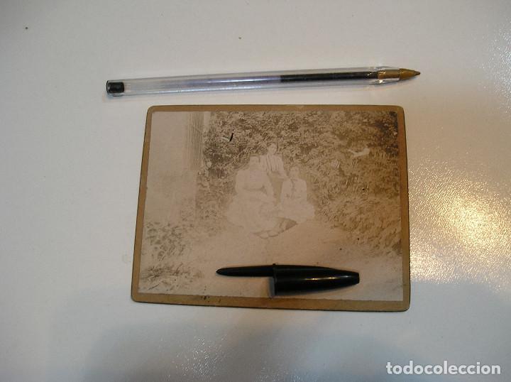 Fotografía antigua: ANTIGUA FOTO FOTOGRAFIA CARTON DURO 3 CHICAS BENICASIM AGOSTO 1901 (20-10-2) - Foto 4 - 221432736