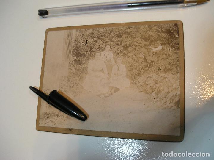 Fotografía antigua: ANTIGUA FOTO FOTOGRAFIA CARTON DURO 3 CHICAS BENICASIM AGOSTO 1901 (20-10-2) - Foto 13 - 221432736