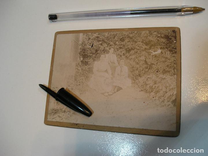 Fotografía antigua: ANTIGUA FOTO FOTOGRAFIA CARTON DURO 3 CHICAS BENICASIM AGOSTO 1901 (20-10-2) - Foto 15 - 221432736