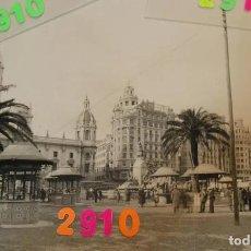 Fotografía antigua: FOTO PLAZA EMILIO CASTELAR , AYUNTAMIENTO DE VALENCIA AÑOS 20 FOTO BARBERA MASIP. Lote 221911786
