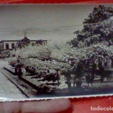 Fotografía antigua: VILLAGARCIA PONTEVEDRA FOTOGRAFIA ANTIGUA NEVADA AYTO ESTVDIO MARTIN SELLO DORSO 17 X 11,7 CMS APROX. Lote 222068842