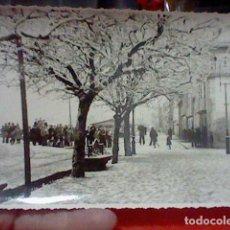 Fotografía antigua: VILLAGARCIA PONTEVEDRA FOTOGRAFIA NEVADA FOTO MARTIN SELLO DORSO 17 X 11,7 CMS APROX. Lote 222070985