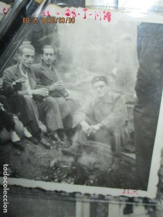 Fotografía antigua: FOTO ORIGINAL LIBERADOS CATALANES 28- I- 1938 EN BATALLA DE GUERRA CIVIL ESPAÑOLA LEGION cataluña - Foto 3 - 121317059