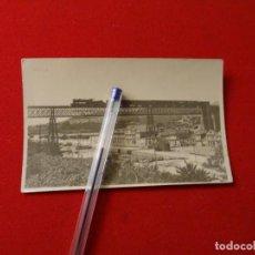 Fotografía antigua: AÑOS 1930-40.REDONDELA.VIADUCTO FERROCARRIL, TREN.PONTEVEDRA. Lote 223290740