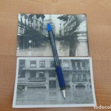 Fotografía antigua: 2 FOTOGRAFIAS , AÑO 1957.INUNDACION VALENCIA. RIADA, CALLE PAZ. Lote 224021243