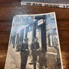 Fotografía antigua: FOTO MILITARES RESTAURANT MADRID EN MÜNCHEN,. Lote 226069245