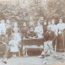 Fotografía antigua: FOTOGRAFÍA FAMILIAR EN GIBRALTAR DE FOTOGRAFO E. RAUSELL. Lote 226775565