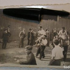 Fotografía antigua: ANTIGUA FOTO FOTOGRAFIA EQUIPO DE FUTBOL TARDES DE FUTBOL (21-1). Lote 232383405