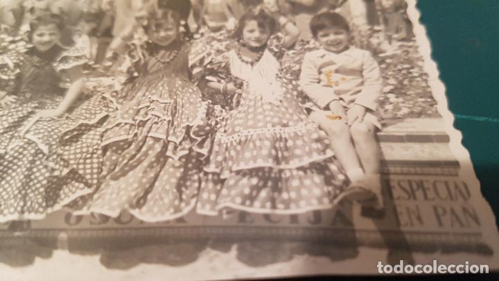 Fotografía antigua: Lote 3 fotografías grupo niñas con traje flamenco, sevillanas, tiovivo, atracción feria (Ecija) - Foto 5 - 234899475