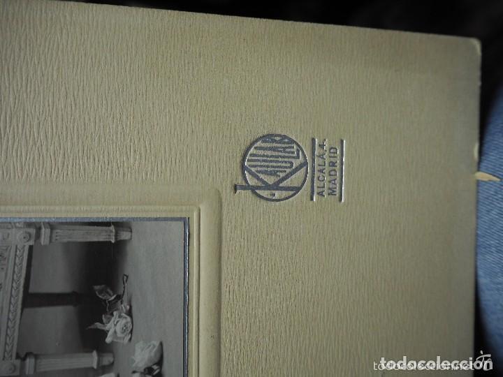 Fotografía antigua: Curiosa fotografía de una novia. Kaulak. Madrid. 33 x 22,50 cm - Foto 2 - 235954195