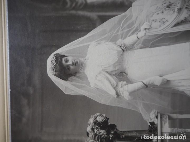 Fotografía antigua: Curiosa fotografía de una novia. Kaulak. Madrid. 33 x 22,50 cm - Foto 4 - 235954195