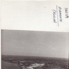Fotografía antigua: FOTOGRAFIA AEREA DE HUELVA. VILLABLANCA. 17,7X13 CM. FOTOHUELVA-506. Lote 236351900