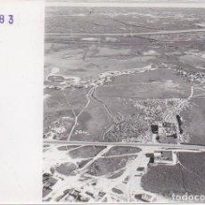 Fotografía antigua: FOTOGRAFIA AEREA DE HUELVA. AYAMONTE. 17,7X13 CM. FOTOHUELVA-514. Lote 236353290