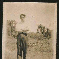 Fotografía antigua: 79 - JOVEN ADOLESCENTE CON TRAJE GAUCHO - FOTO 8X6CM 1930'. Lote 236383680