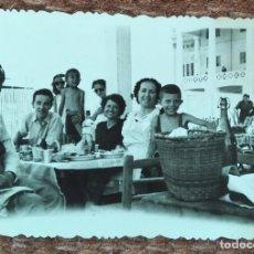 Fotografia antiga: BANQUETE EN LAS ARENAS - VALENCIA. Lote 237827985