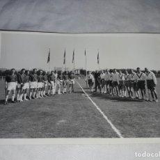 Fotografía antigua: ANTIGUA FOTOGRAFÍA ORIGINAL HOCKEY SOBRE HIERBA EQUIPO REAL CLUB POLO. Lote 239441470