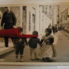 Fotografía antigua: ANTIGUA FOTO FOTOGRAFIA FALLAS FALLEROS (21-2). Lote 243057655