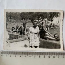 Fotografia antica: FOTO. CAMPAMENTO GARABITAS O.J. FEMENINA. BAÑISTAS. TALES. CASTELLÓN. FOT. GIL ROCA. 21 JUL.1940.. Lote 244984295