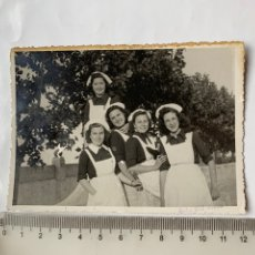 Fotografia antica: FOTO. ENFERMERAS. CASTELLÓN. FOT. GIL ROCA. FECHA, 31 MAYO 1942.. Lote 244984700