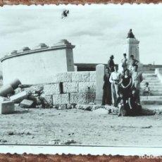 Fotografia antiga: VALENCIA - RUINAS MONUMENTO A SOROLLA DESPUES DE LA RIADA DE 1957. Lote 248142650