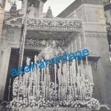 Fotografía antigua: SEMANA SANTA SEVILLA, 1948,VIRGEN DEL MAYOR DOLOR Y TRASPASO, GRAN PODER, FOT.LUIS ARENAS,50X60 CMS,. Lote 257442095