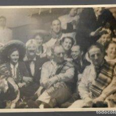 Fotografía antigua: 1R- ANTIGUA FOTOGRAFIA DE- UN GRUPO DE PERSONAS EN UNA FIESTA MEJICANA. Lote 257882965