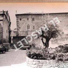 Fotografía antigua: ANTIGÜA FOTOGRAFIA EN BLANCO Y NEGRO DE CARDONA DE MEDIDAS 12,5 CM. X 9 CM.. Lote 261601130