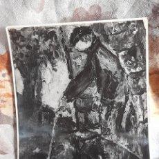 Fotografía antigua: FOTOGRAFÍA ANTIGUA DE UN CUADRO DEL PINTOR SANTÍ SURÓS. Lote 269130018