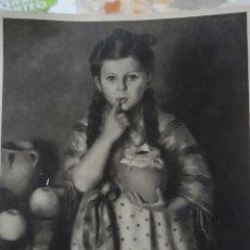 Fotografía antigua: FOTOGRAFÍA ANTIGUA DEL RETRATO DE UNA NIÑA DE LA PINTORA MARÍA ROSA ARSALAGUET. Lote 269178943