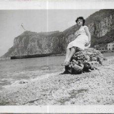 Fotografia antiga: *** GG921 - FOTOGRAFIA - SEÑORA EN CAPRI 1953. Lote 276564673