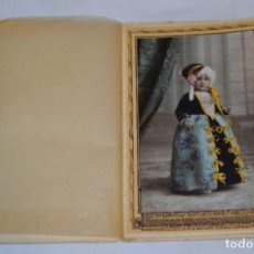 Fotografía antigua: ANTIGUA FOTOGRAFÍA / J. DERREY 1928 - VALENCIA / NIÑA CON ATUENDO DE FIESTA - MIRA FOTOS Y DETALLES!. Lote 277528438