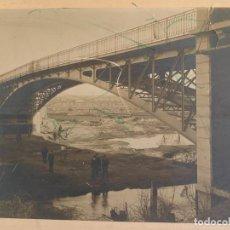Fotografía antigua: FOTOGRAFÍA PUENTE DE LA PRINCESA - RÍO MANZANARES - COLABORACIÓN ANTONIO PALACIOS - CIRCA 1901. Lote 286487883