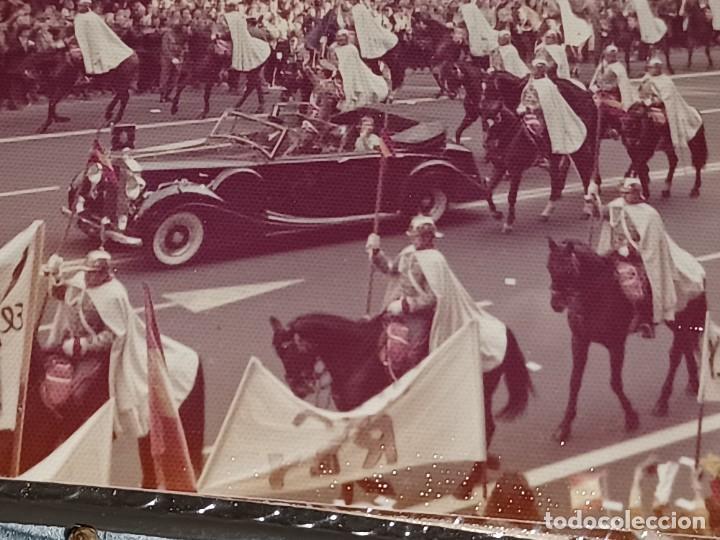Fotografía antigua: Antiguo INEDITO álbum 12 fotos franco y reyes desfile en madrid - Foto 7 - 287068268