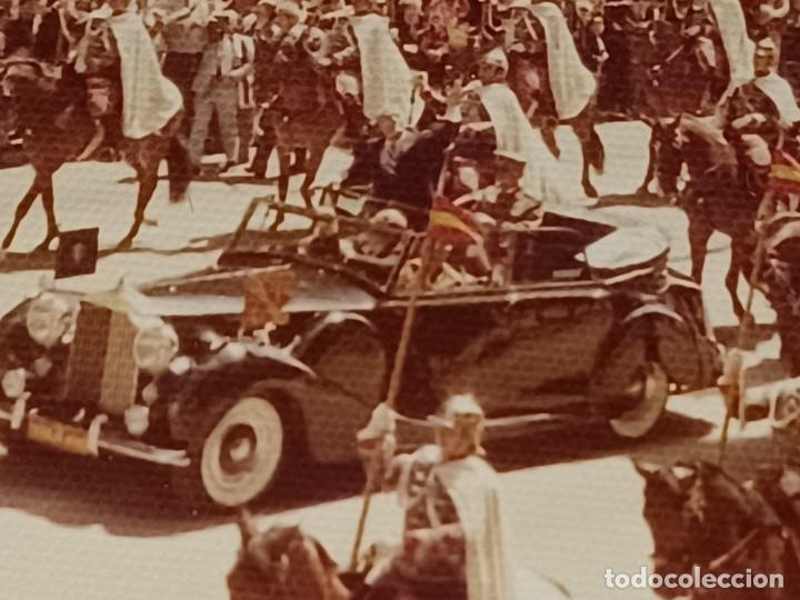 Fotografía antigua: Antiguo INEDITO álbum 12 fotos franco y reyes desfile en madrid - Foto 15 - 287068268
