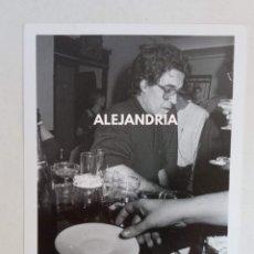 Fotografía antigua: FOTOGRAFIA PEPE RUBIANES DE COPAS - POR EL FLACO GARCÍA POVEDA. Lote 287645988